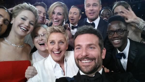 Un sexagénaire se met aux selfies