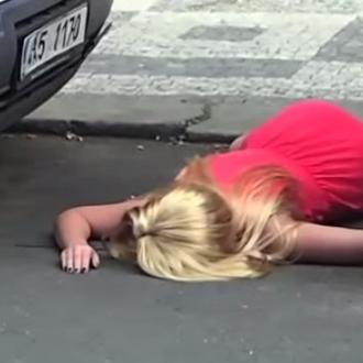Elle se venge de son copain en mettant en scène un faux suicide !