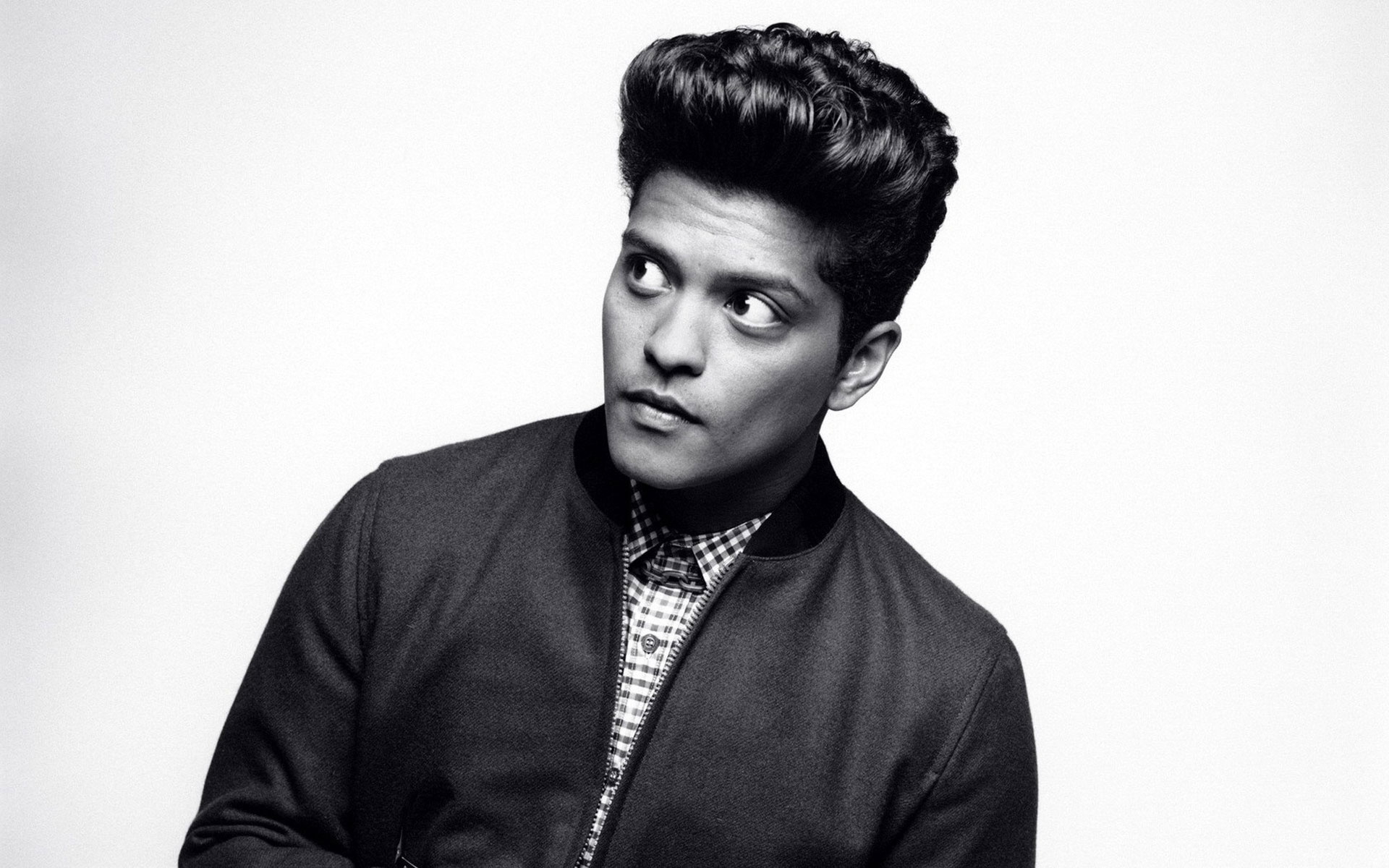 Bruno Mars : 24K Magic arrive Vendredi et signe son retour