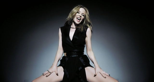 kylie-minogue-reprise-saturday-night-fever