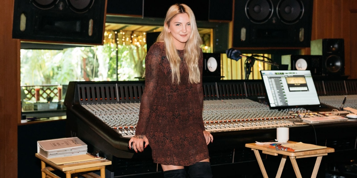 Julia Michaels : Issues, l'histoire de son premier tube