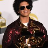 Grammy-Awards-2018-Bruno-Mars-roi-de-la-ceremonie