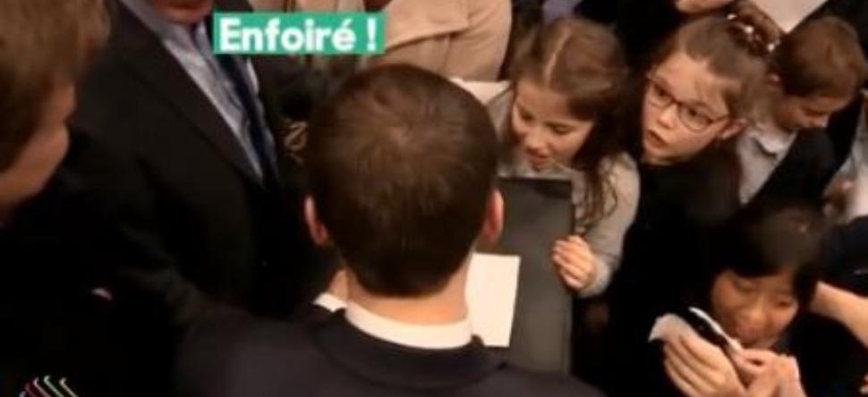En pleine visite à Clermont-Ferrand, Macron et son garde s'insultent !