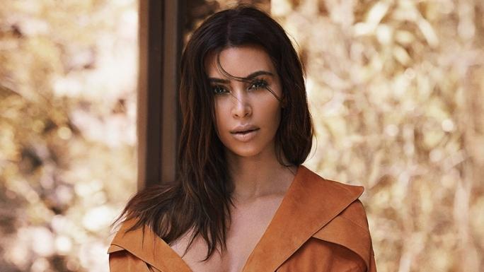 Photographiée nue par sa fille, Kim Kardashian choque une nouvelle fois ses fans.
