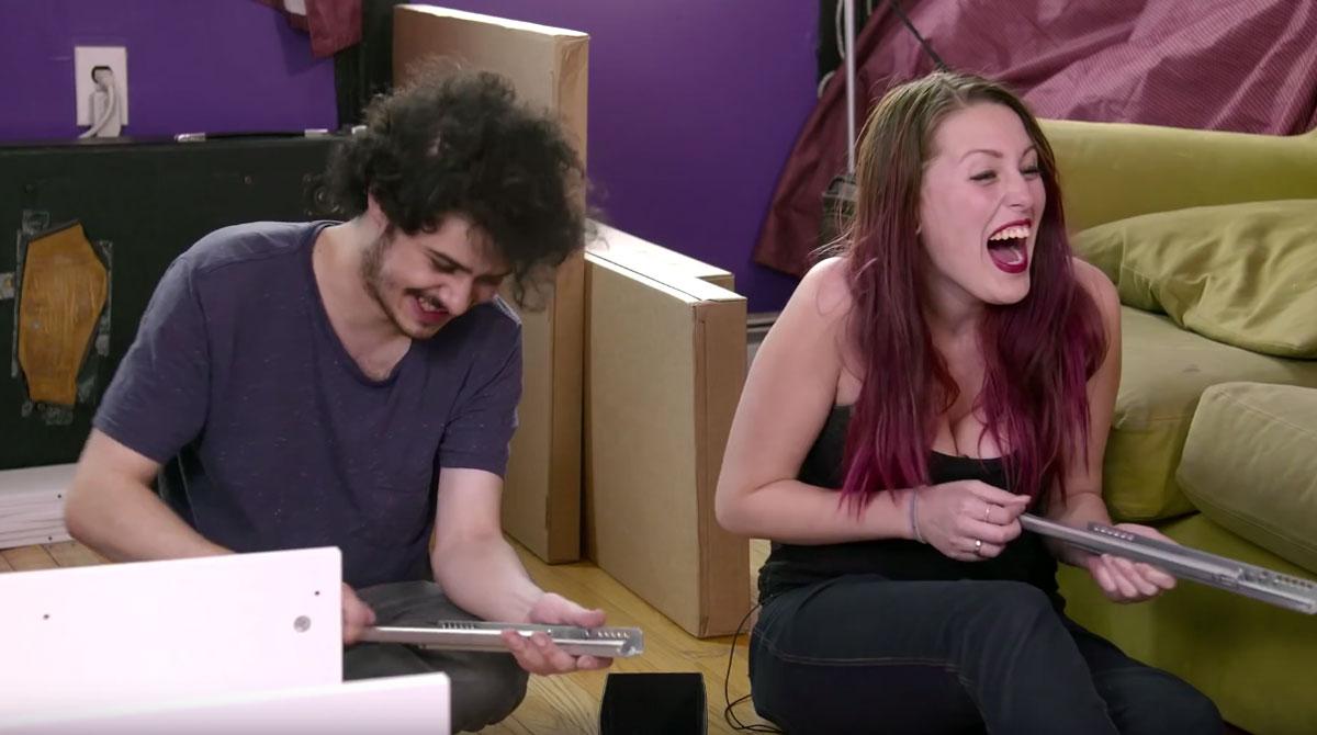 Sous LSD, ils se font filmer en train de monter un meuble Ikea