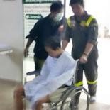 thailande-il-decide-de-se-couper-le-penis-devant-un-film-x